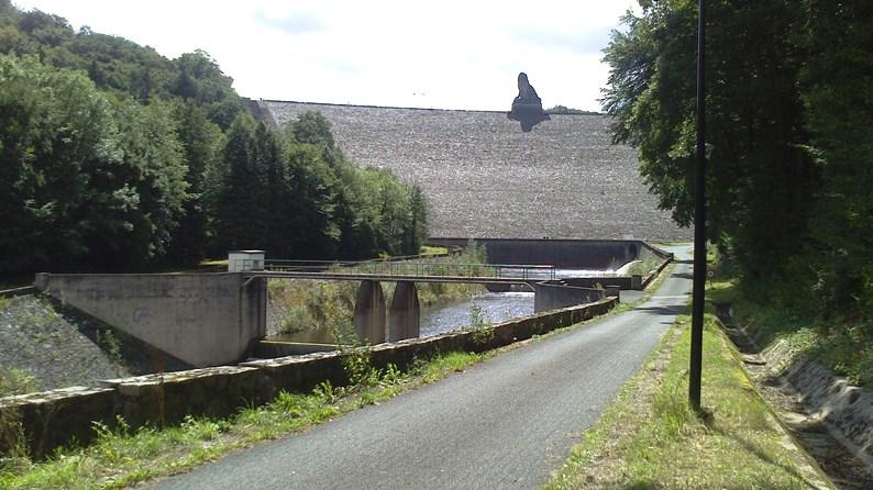 Talsperre La Gileppe, Belgien, von unten